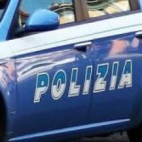 Roma, fuga da brividi al Portuense: volante insegue 500 rubata e carambola
