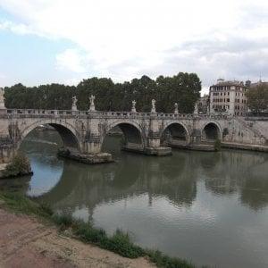Roma, Raggi: non c'è emergenza sete. Ma dà l'ok al Tevere potabile