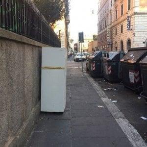 """La sindaca: """"Ogni giorno, oltre 20 tonnellate di rifiuti ingombranti vengono abbandonati per strada"""""""