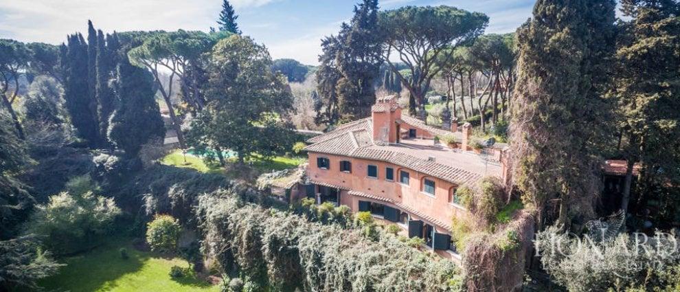 Roma appia antica in vendita la villa di carlo ponti a for Ville in vendita appia antica
