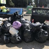 Roma, Garbatella, rifiuti e degrado