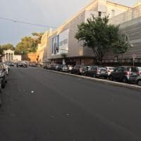 Roma, caditoie chiuse dall'asfalto in via Luisa di Savoia: