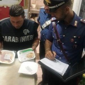Roma, cibi surgelati serviti come freschi: denunciato ristoratore di via di Tor Millina