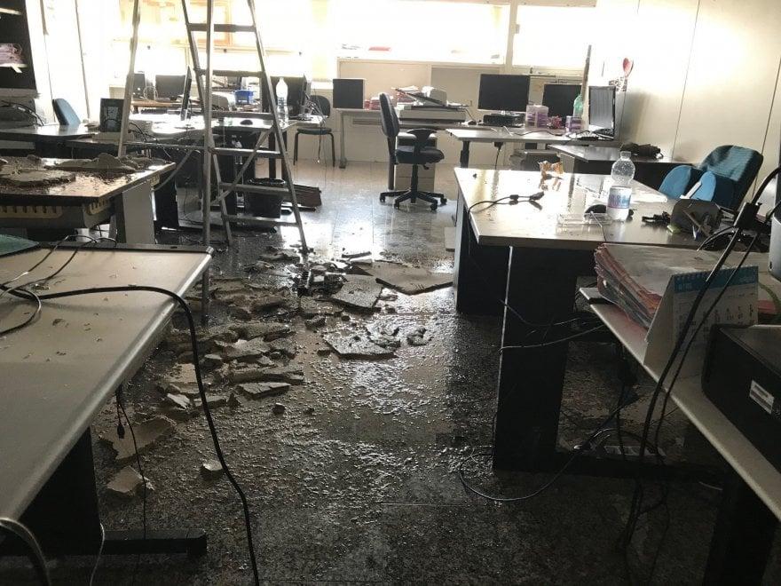 Roma, crolla controsoffitto in Procura: stanza allagata, ufficio inagibile per un giorno