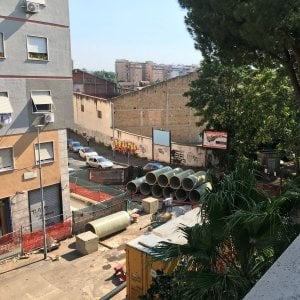 Roma, cantiere in via dei Durantini: lavori infiniti per rete fognaria. Protestano i residenti