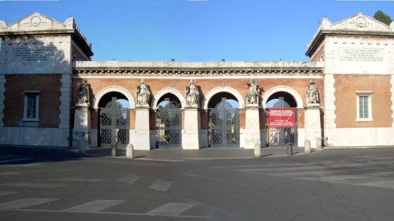 """Roma, l'ultima idea per fare cassa: """"Organizziamo i concerti nei cimiteri"""""""