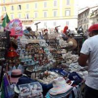 Roma, una giornata da turista nella giungla tra guide, ambulanti e buttadentro
