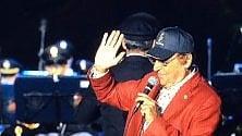 Santa Severa, show di Renzo Arbore al concerto della Fanfara della polizia