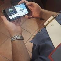 Roma, Campo dé Fiori: ruba la borsa a una turista e finisce in manette.