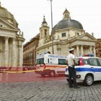 Maltempo a Roma, pioggia e grandine: chiuso accesso a piazza del Popolo,