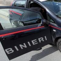 Roma, pronto a  lanciare sassi da cavalcavia minaccia carabinieri: arrestato