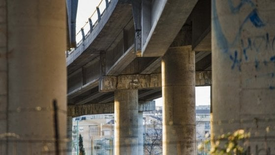 """Roma, sul Ponte della Magliana ora spunta un dossier dei vigili:  """"Servono monitoraggi con ogni possibile urgenza"""""""