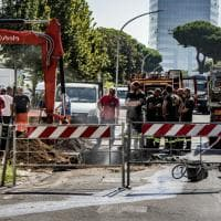 Roma, Eur: conduttura in viale Asia a fuoco. Vigili del fuoco domano le fiamme