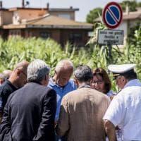 Fiumicino, chiuso il ponte della Scafa: potranno passare solo i mezzi di soccorso.  Disagi per i pendolari