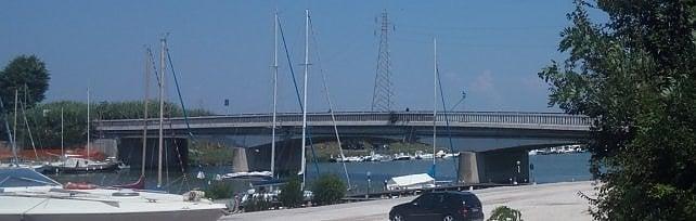 """Ponte della Scafa chiuso """"per sicurezza""""  foto   sindaco Montino: """"Si faccia presto""""   video"""