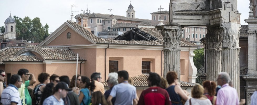 """Roma, crollo di San Giuseppe dei Falegnami: ora indagini sui precedenti restauri. Il ministro Bonisoli: """"Non deve succedere più"""""""