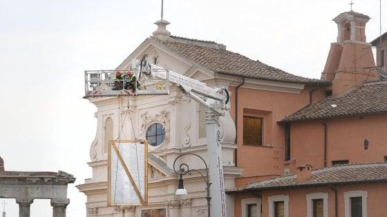 "Crollo San Giuseppe dei Falegnami a Roma, vigili: ""Tetto pericolante ma stabile"""