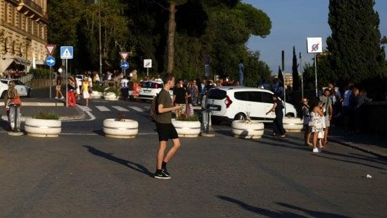 """Roma, la """"terrazza"""" sul Colosseo diventa pedonale"""