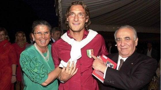 """""""Ciao Maria, eri una grande donna"""". Totti in lutto per la morte della presidentessa Sensi"""