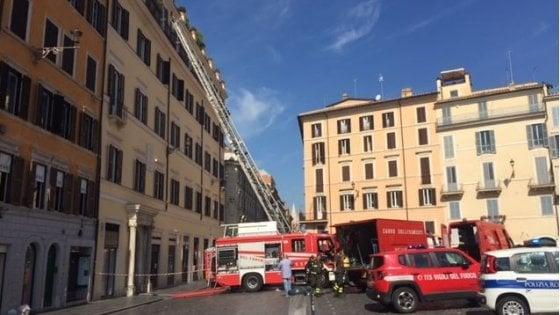 Roma, principio d'incendio nella suite dell'hotel: paura in piazza di Spagna