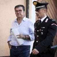 Roma, mazzette e case dal costruttore Scarpellini: arrestato sindaco di