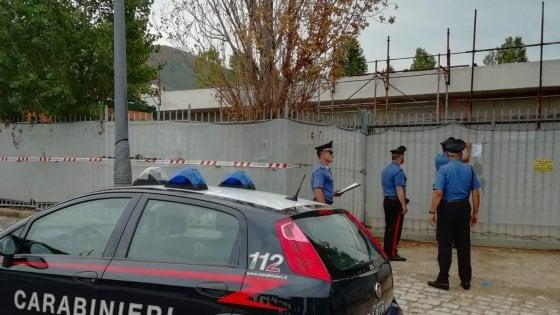"""Sperlonga, scuola costruita senza fondamenta: arrestati due imprenditori. Il gip: """"Non avrebbe retto"""""""