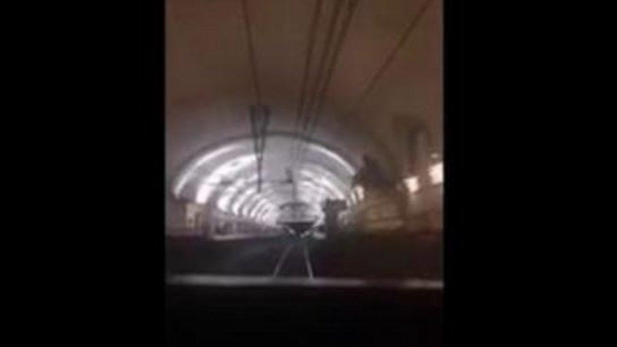 Roma rapper sale nella cabina di guida della metro b for Affitti della cabina di whistler