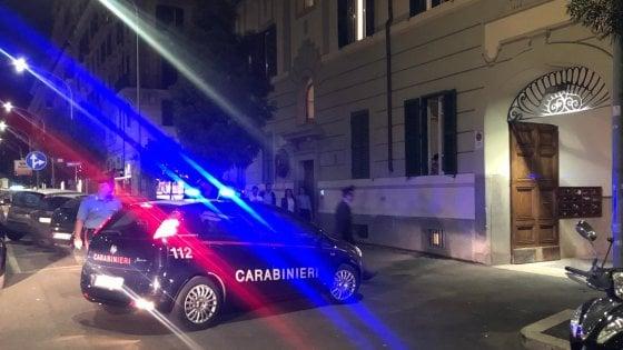 """Roma, tragedia in via Albalonga: uccide la moglie e minaccia il suicidio. """"Non volevo più vederla soffrire"""""""