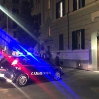 Roma, tragedia in via Albalonga: uccide la moglie e minaccia il suicidio.