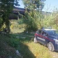 Roma, bruciano rifiuti tossici sulle sponde dell'Aniene: arrestati