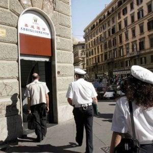 I furbetti degli alloggi Ater a Roma,  la coppia li passa ai figli