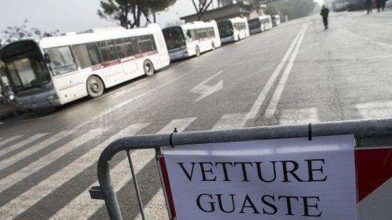 Bus e metro, venerdì sciopero di 24 ore indetto dal sindacato dell'autista pasionaria licenziata da Atac