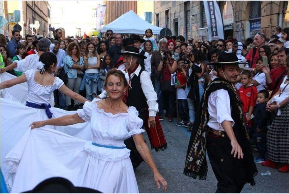 Sally Brown, in 200 in strada per la festa del pub di San Lorenzo