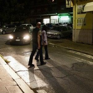 """Roma,  furgoni, doppie file e strisce scolorite. """"Pedoni in pericolo"""""""