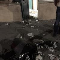 """Roma, spazzatura contro il circolo Pd di via Catanzaro. Casu """"Non ci facciamo intimidire"""""""