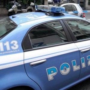Roma, violenta coinquilina minacciandola con coltello: arrestato