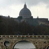 Roma, trovato un cadavere a Ponte Sisto sotto la pista ciclabile
