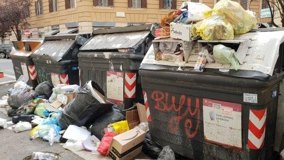 """Rifiuti Roma, Costa: """"Nessuna intenzione di commissariare"""". Zingaretti: """"Stop incenerimento a Colleferro"""""""