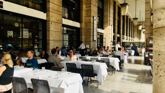 """Roma, chiude """"Gusto"""": l'edificio ospiterà il resort di Bulgari"""