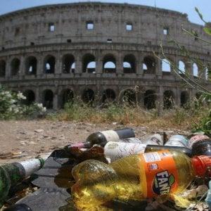 """L'iniziativa #oggiraccolgoio, """" Colosseo malato, così lo salviamo"""""""