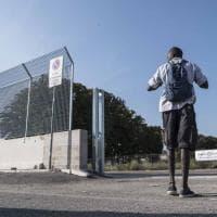 Roma, al Tiburtino scontro sul muro anti migranti