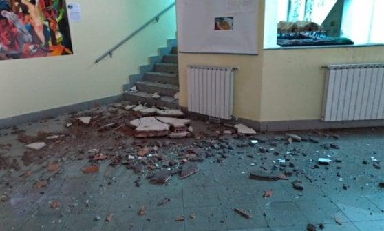 Roma, ancora disagi dopo il nubifragio: chiuse alcune scuole. Raggi si scusa