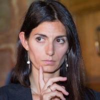 Roma, processo Raggi, la sindaca domani in udienza ma slitta il suo esame