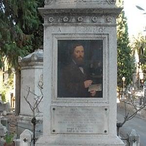 """Roma, Verano senza manutenzione, spariscono anche i ritratti del """"suo"""" pittore"""
