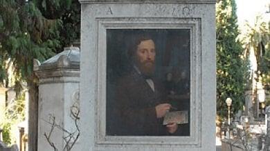 """Verano senza manutenzione, spariscono anche i ritratti del """"suo"""" pittore"""