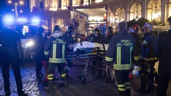 """Crollo della scala mobile nella metro di Roma: """"Strano incidente"""". I dubbi dei vigili sul disastro"""
