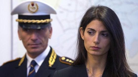 """Roma, Raggi a processo non cambia la sua linea: """"Raffaele Marra non c'entra, sulla nomina del fratello ho deciso tutto io"""""""