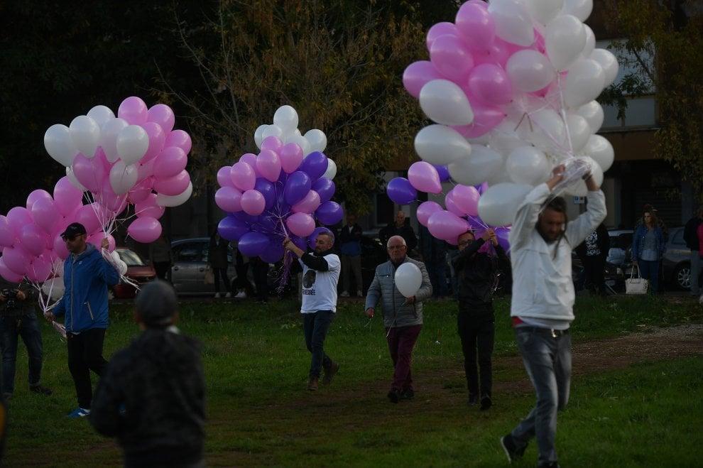 Desirée, tanti giovani a Cisterna di Latina per il funerale