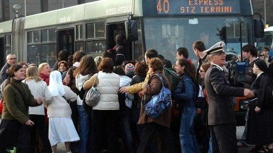 Roma, referendum Atac: sì dalla base del Pd alla liberalizzazione del servizio di trasporto pubblico ma il partito si divide