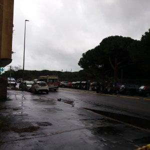 Roma, motociclista investe pedone sulle strisce: entrambi morti